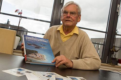 Frans Schulte mede auteur Koninklijke Luchtmacht in Nieuw-Guinea