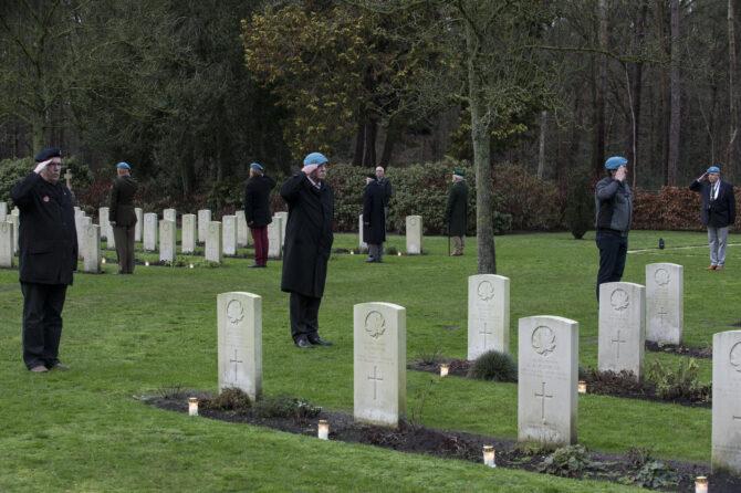 24 december 2021 – Lichtjes op de Oorlogsgraven