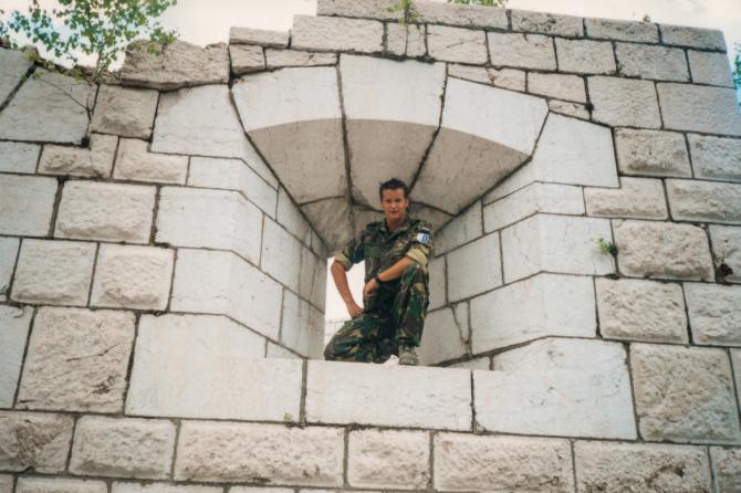 'Pas op! Mijnen!' Interview met veteraan Michel Koster / SFOR 8